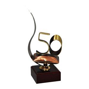 Trofeo Detalle Aniversario Con Asa  varios tamaños.  Ref - BP3531